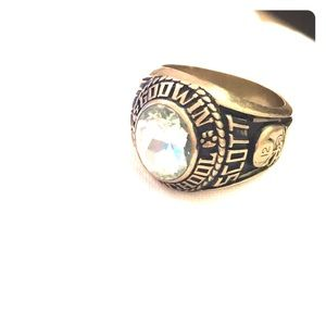 Class ring. Purchased at estate auction lot